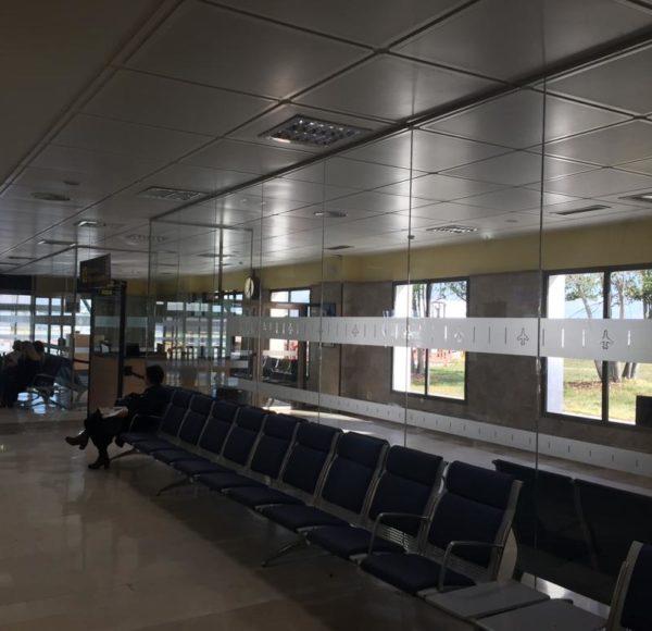 AEROPUERTO_GRANADA_PANELES_VIDRIO_001